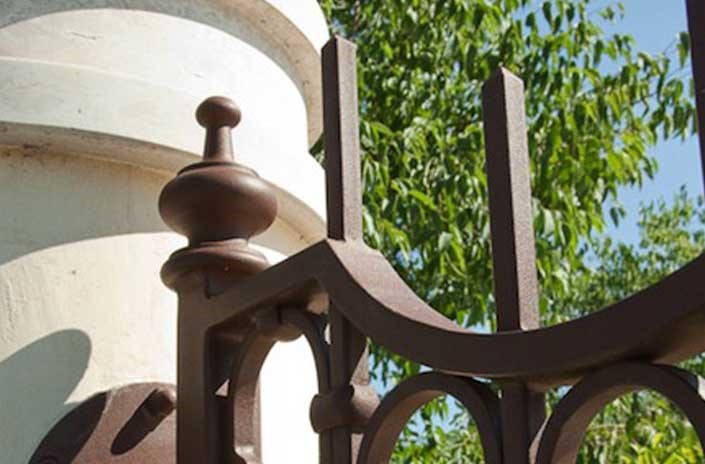 Finishing copper gates