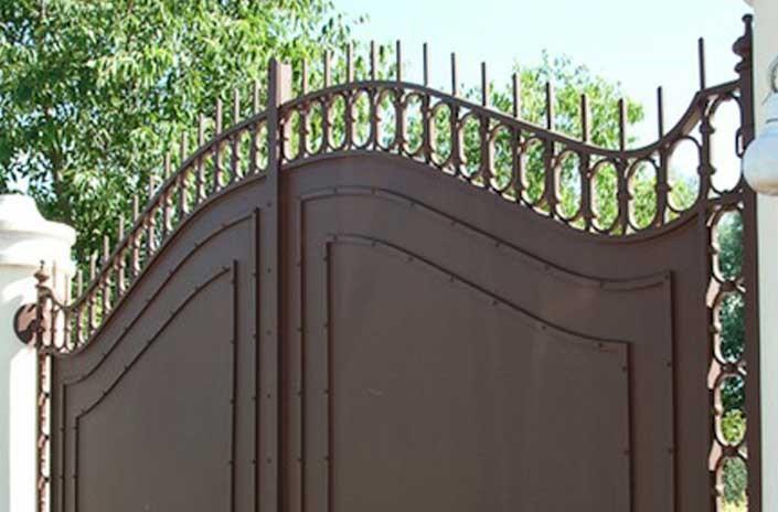Copper gate, gate with powder finish copper